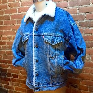 LEVI'S VINTAGE Sherpa Lined Oversized Denim Jacket